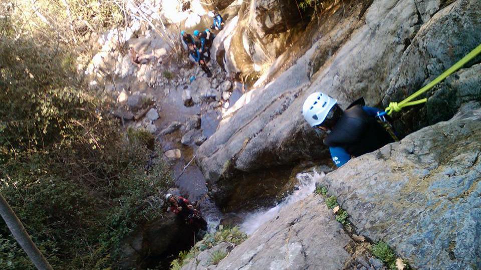 Canyon d'eau chaude avec le Bureau des Guides de l'Ariège