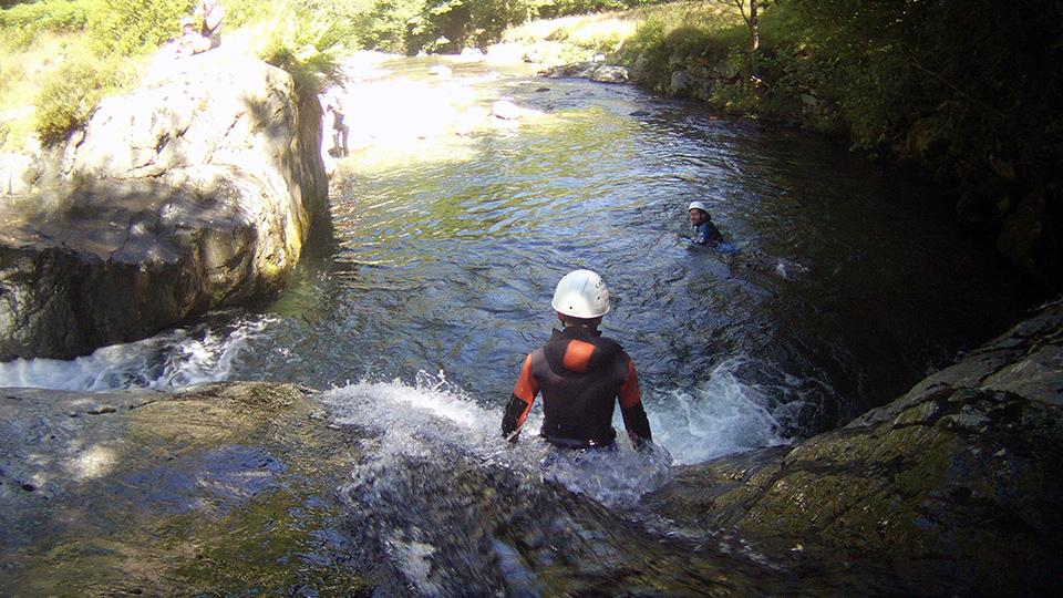 Rando-aqua-guides-ariege-pyrenees-enfant