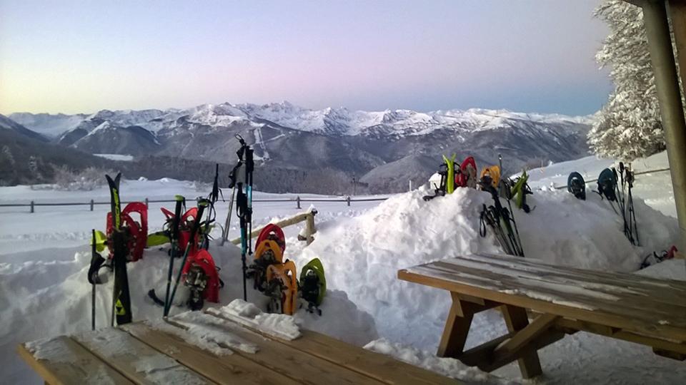 Experience Chioula en raquettes à neige - Pause au refuge - Ariège Pyrénées